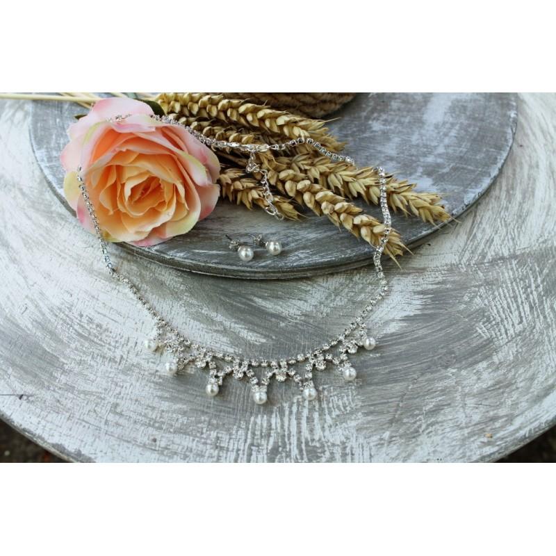 Štrasový náhrdelník - perličky
