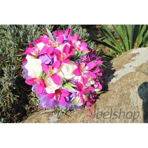 Svatební kytice ve fialovo-bíle barvě