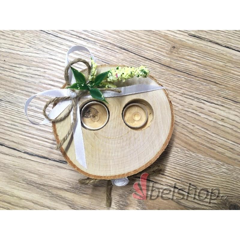 Dřevěné kolečko pod prstýnky s jutovým provázkem