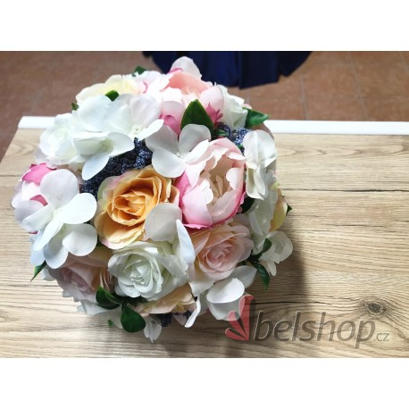 Svatební kytice meruňka-růžová-bílá-modrá vč. korsáže
