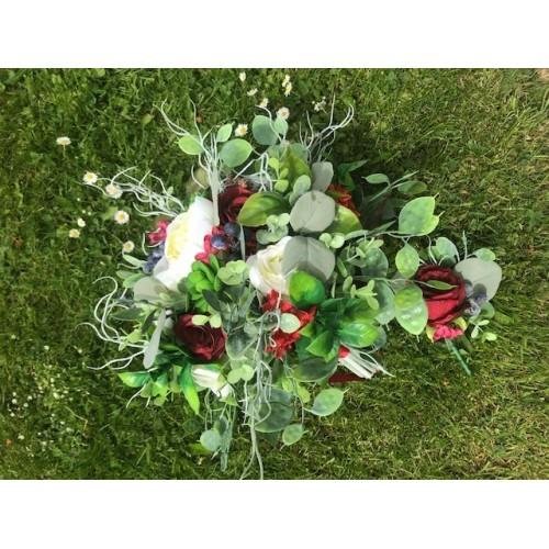 Svatební bordó kytice v boho stylu