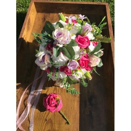 Svatební kytice v růžových odstínech